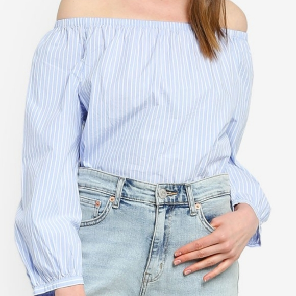NWT GAP - Off the shoulder top